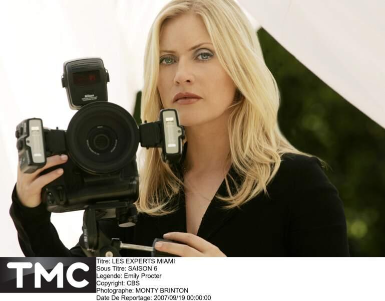 Calleigh Duquesne était toujours derrière son appareil photo