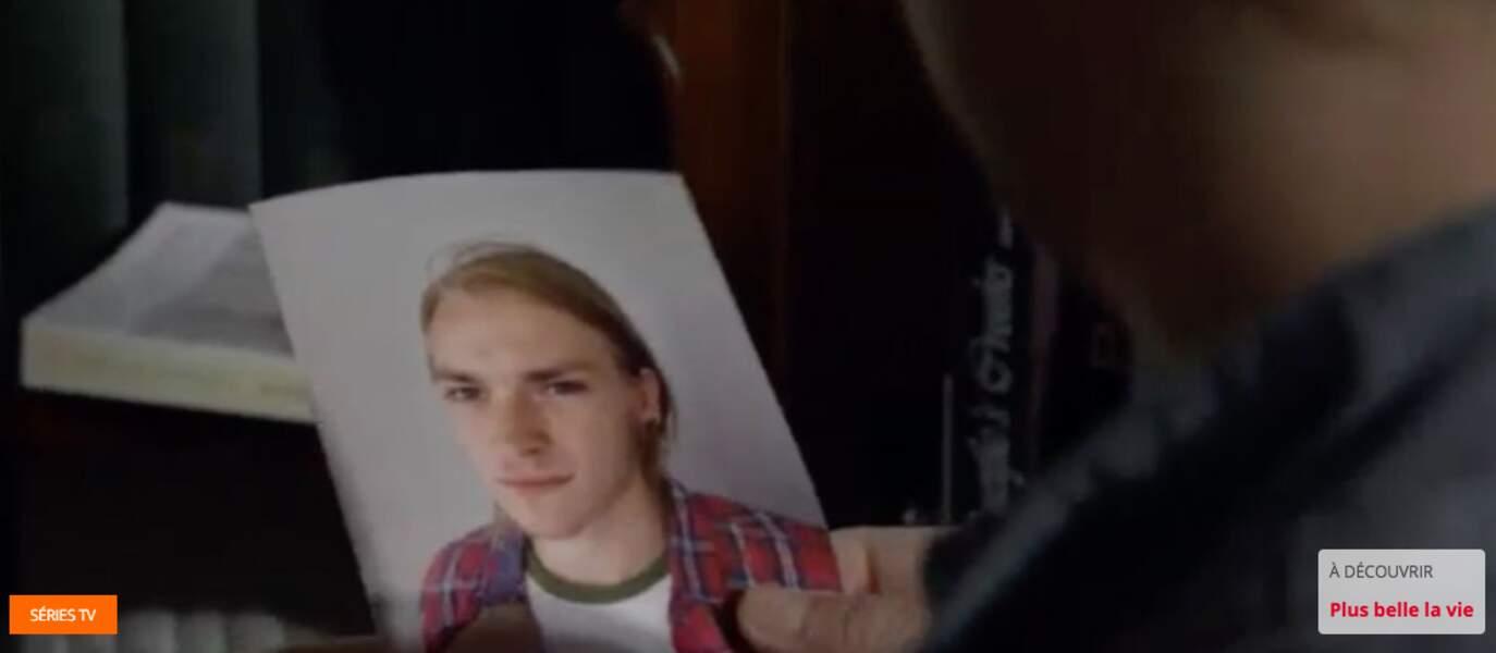 Novembre : un fantôme apparait à Nathan, c'est Cyril Rochat, le fils du proviseur