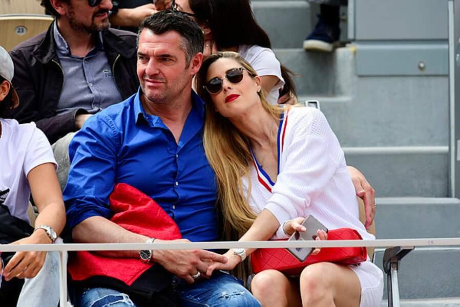 Pause tendresse pour Arnaud Ducret et sa compagne Claire Francisci