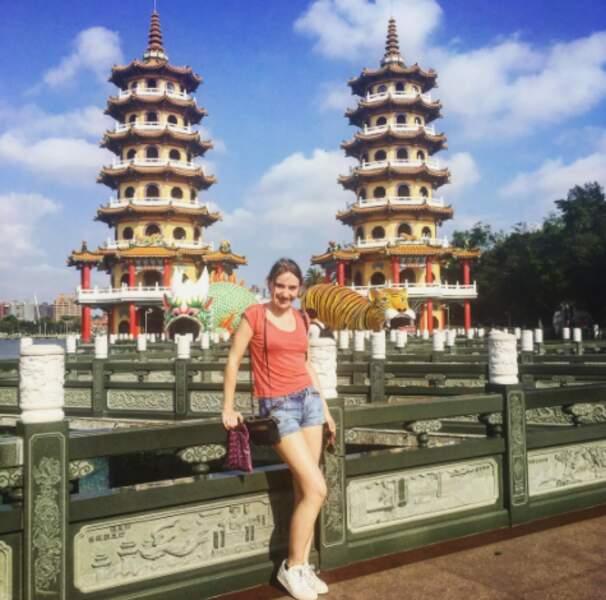 Vu le décor, on imagine que Déborah François est en Asie.