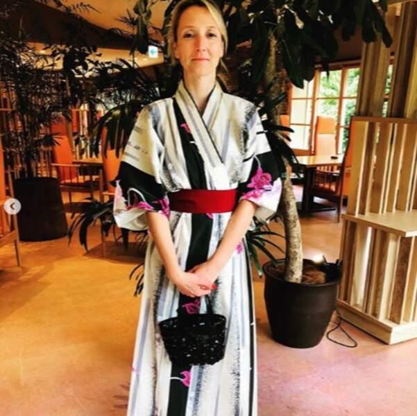 Audrey Lamy s'est tout de suite mise dans l'ambiance à Hakone, au Japon.