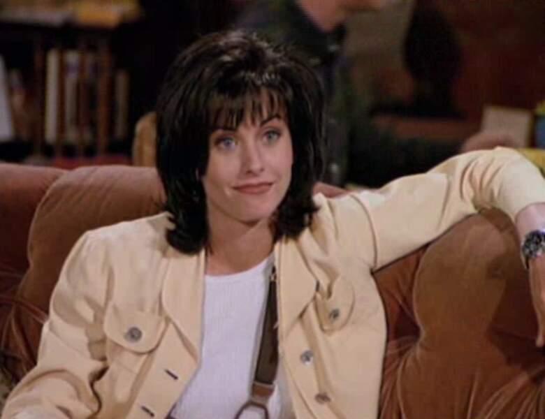 Monica Geller (Courteney Cox) dans l'épisode pilote de Friends.