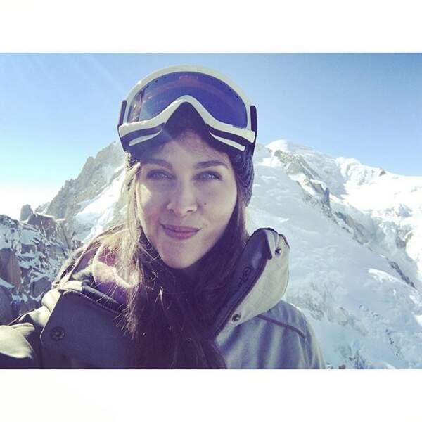 Dans la vie, Ophélie aime prendre l'air de la montagne...