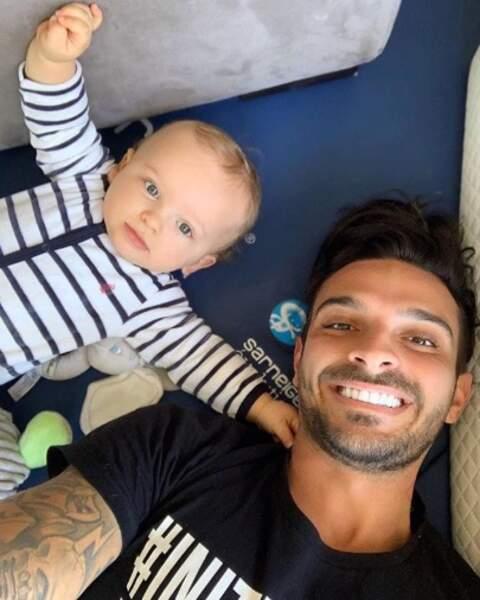 Selfie père-fils pour Julien Tanti et son petit Tiago.