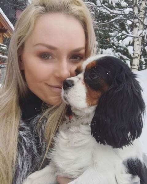 On devrait peut-être lui présenter la skieuse Lindsey Vonn, elle aussi amoureuse des chiens