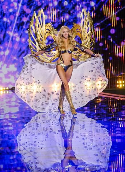 ... et la jolie Américaine Lindsay Ellingson