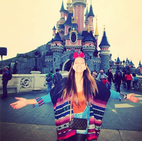 Mais elle s'est aussi amusée pendant son règne : ici à Disney !