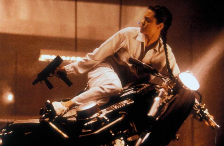 Lara Croft : Tomb Raider (2001) : Angelina Jolie en pleine action