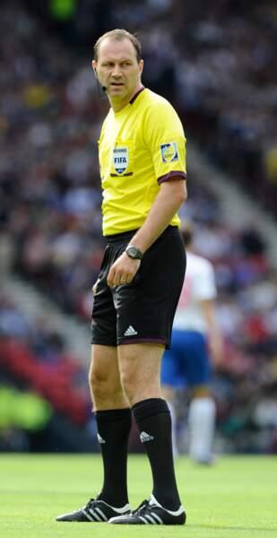 Multi-millionnaire comme les stars de cet Euro, le Suédois Jonas Eriksson a déjà officié lors de l'Euro 2012