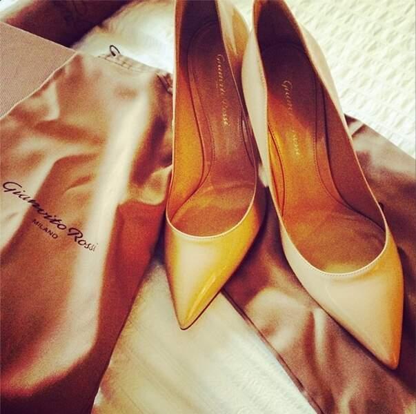 A qui appartiennent ces jolis souliers ? A Nabilla évidemment !