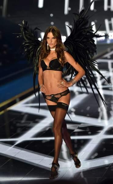 La muy caliente Alessandra Ambrosio a fait le show !