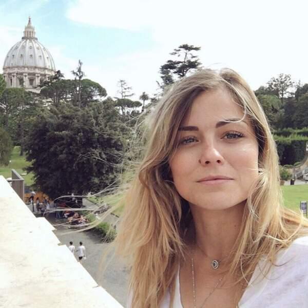 Selfie souvenir de la footballeuse Laure Boulleau au Vatican.