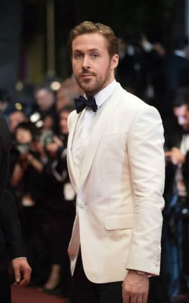 Ryan Gosling, et son beau noeud pap bleu