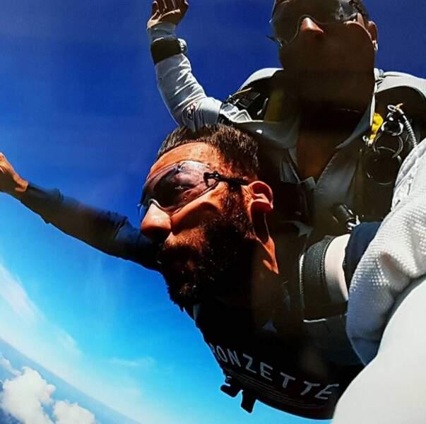 Laurent Ournac a eu droit à un saut en parachute depuis la Dune du Pyla