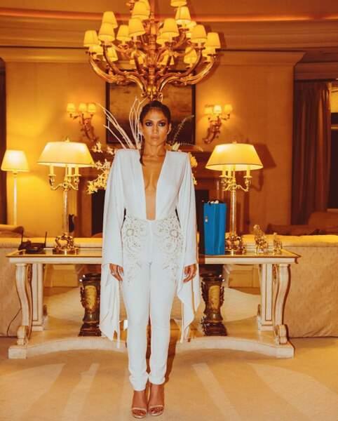 Sans transition : Jennifer Lopez était sublime en blanc !
