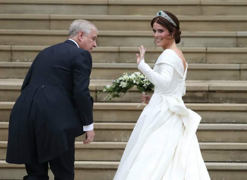 La princesse Eugenie arrive à la Chapelle Saint-George avec son père le prince Andrew
