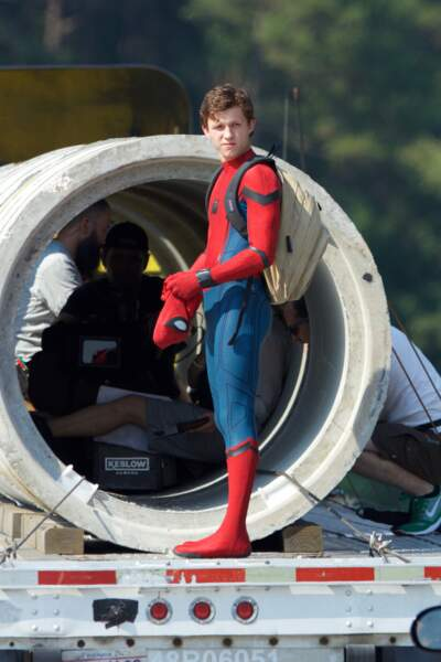 Avec son sac à dos de lycéen, Spider-Man sècherait-il les cours ?