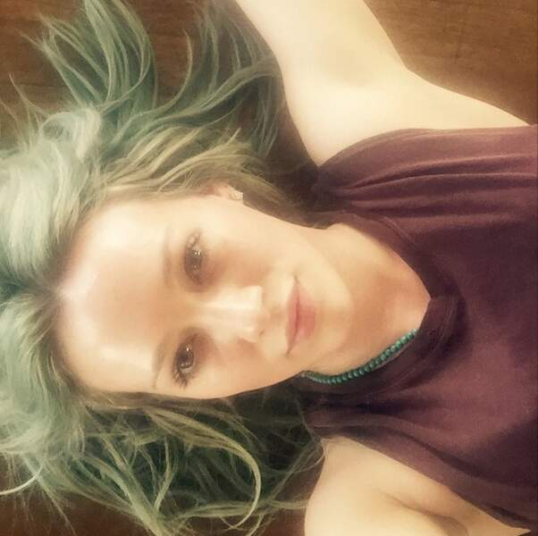 Si Hilary Duff est fan de ses cheveux verts...