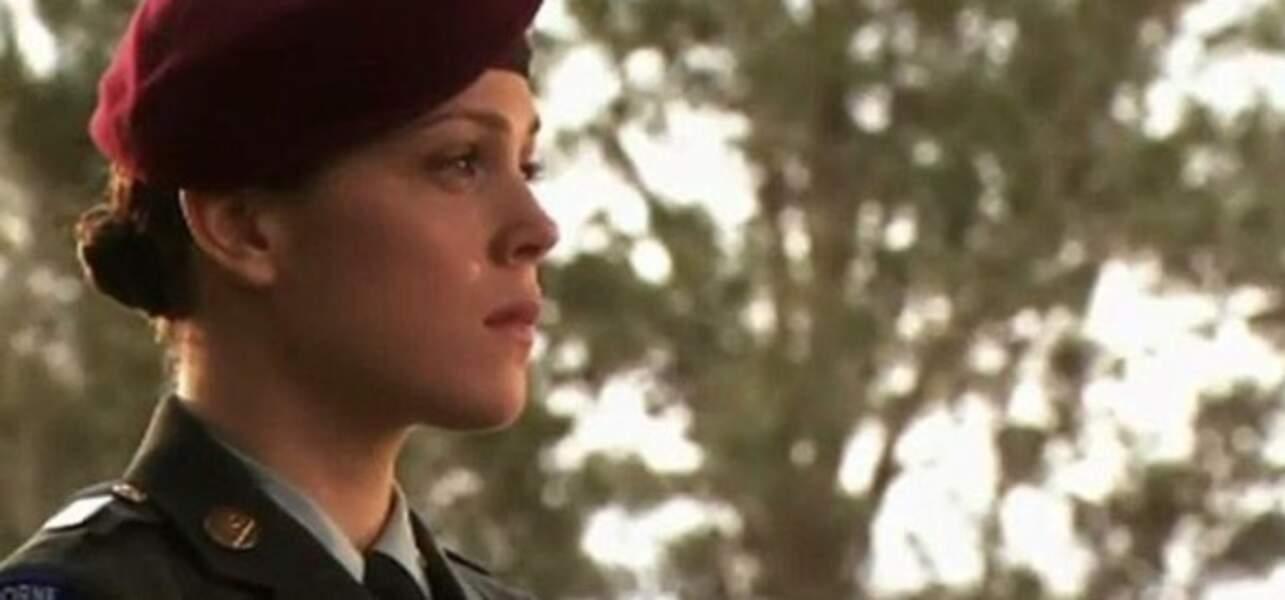Elle a été révélée par la série American Wives, avec le rôle de Tanya Gabriel