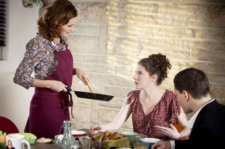 Et comme Bree, Rachel a du mal communiquer avec ses enfants. Ils mériteraient les oeufs brouillés dans la figure !