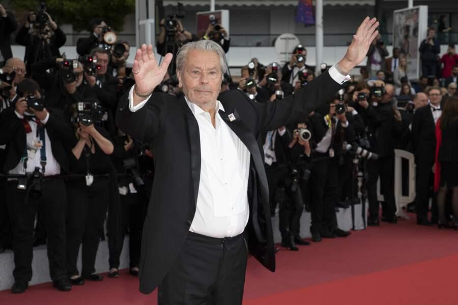 Alain Delon a, en effet, reçu sa palme d'or d'honneur