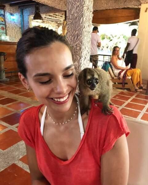 En Colombie, Marine Lorphelin a fait ami-ami avec un habitant du coin.