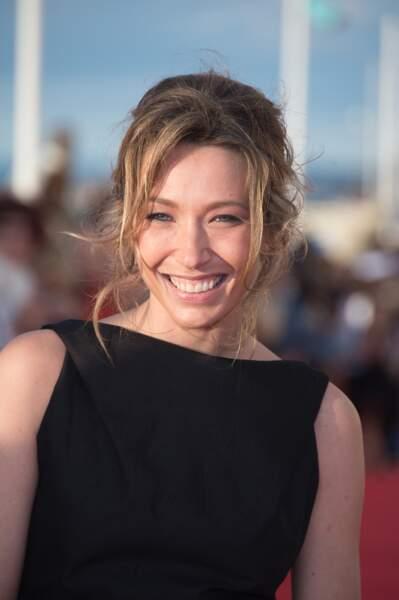 Après des années difficiles, la jeune femme, aujourd'hui actrice, a retrouvé le sourire !