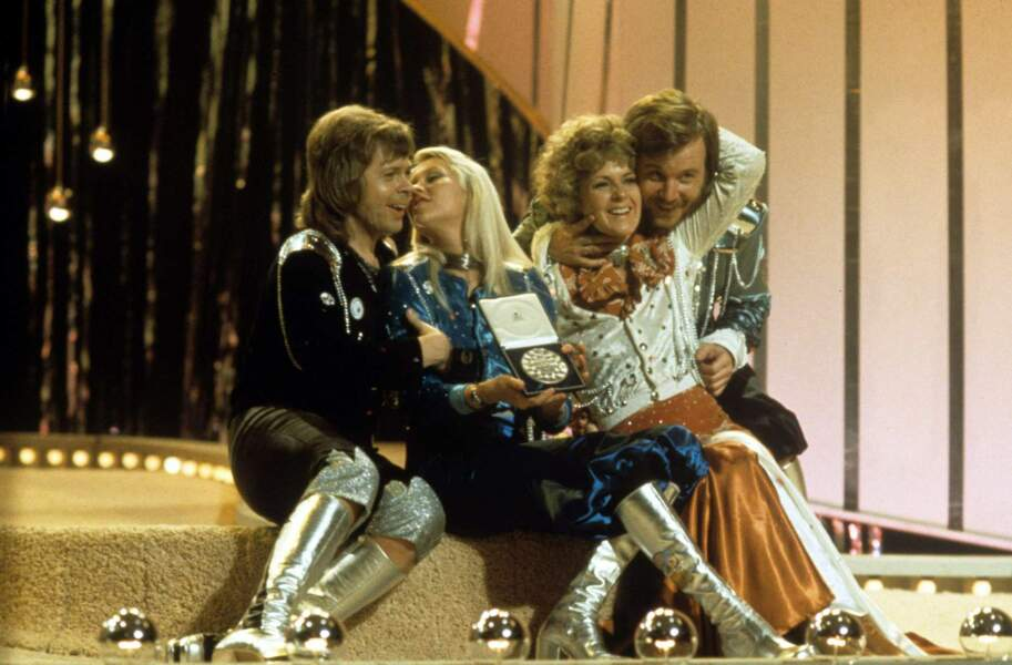 """En 1974, Abba chante """"Waterloo"""" pour les couleurs de la Suède"""