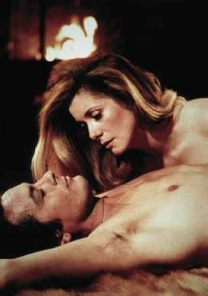 Nouveau couple torride dans Le Choc (1982) avec Catherine Deneuve