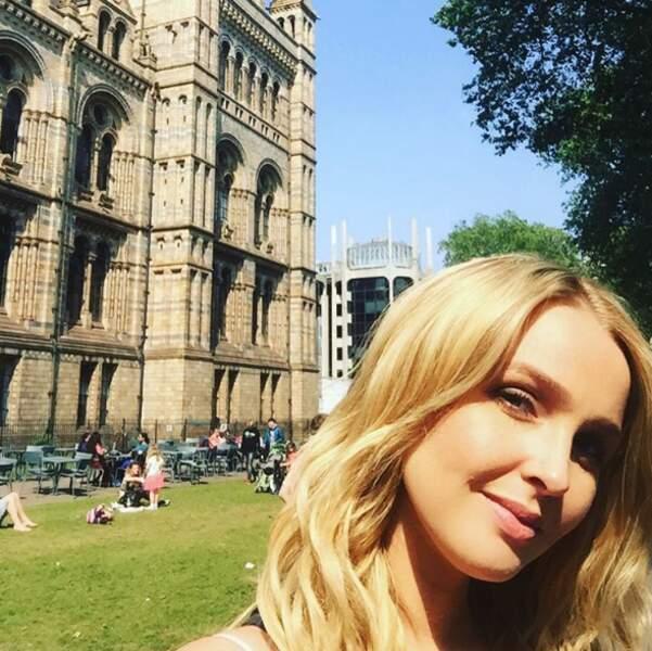 Camilla Luddington (Grey's Anatomy) a retrouvé ses racines anglaises au musée d'histoire naturelle