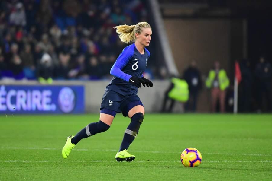 Amandine Henry est la capitaine des Bleues depuis fin 2015