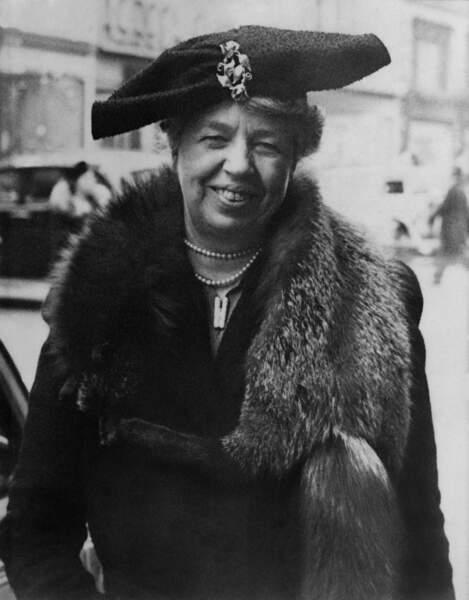 Féministe, Eleanor Roosevelt est la première à assister au bal de l'investiture et à rendre son rôle vraiment actif