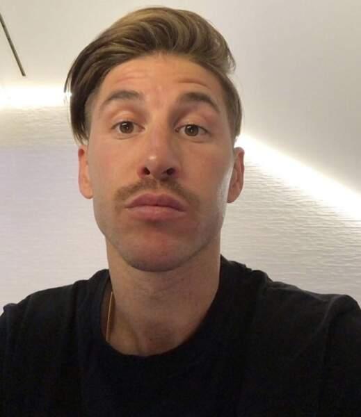 Quelques changements capillaires : Sergio Ramos tente la moustache.