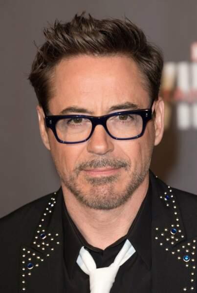 Robert Downey Jr. fait son regard de braise...