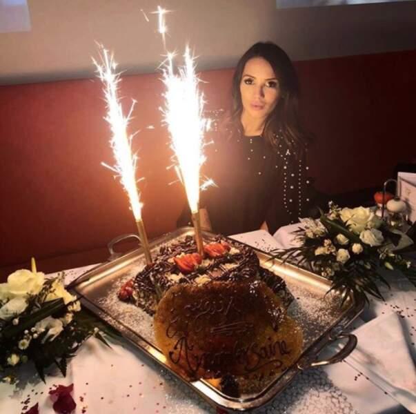 On commence tout d'abord par fêter un super anniversaire à Manon Marsault, 29 ans depuis dimanche !
