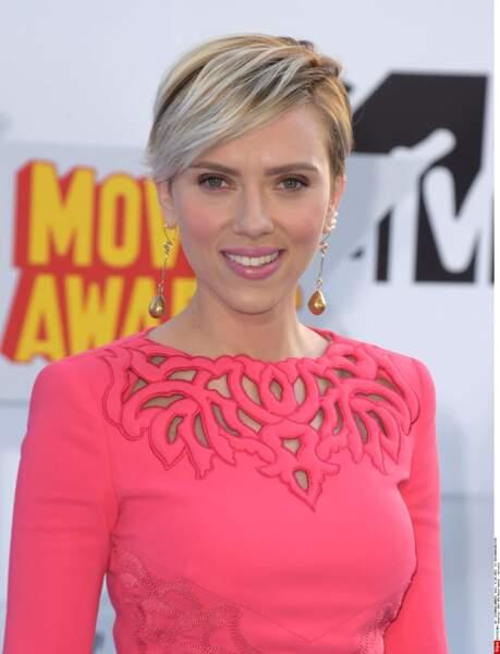 On n'est pas hyper fan de la nouvelle coupe de Scarlett Johansson
