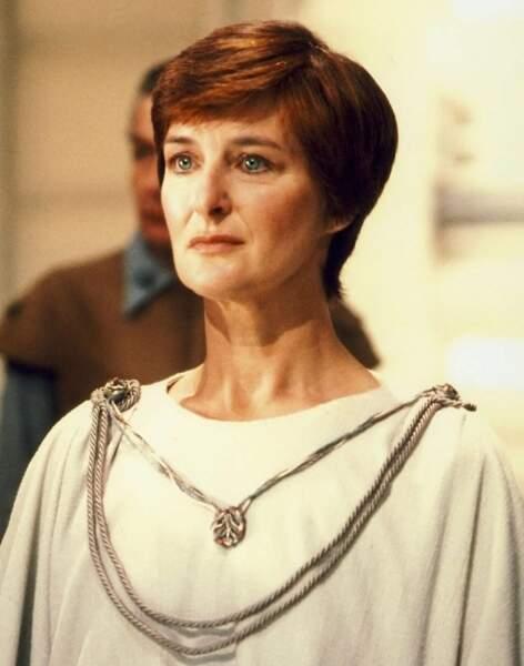 Mon Mothma (Caroline Blackiston), l'une des chefs de l'Alliance rebelle, dans Le retour du Jedi