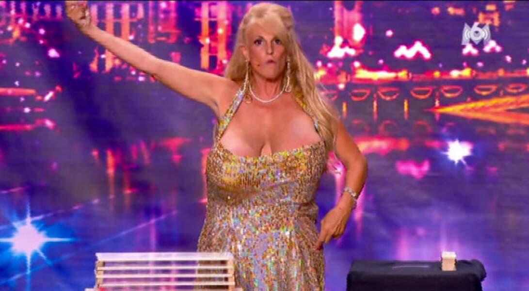 Qui cherche trouve... les seins ?