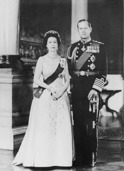 Allez hop ! Un petit portrait officiel en 1972 avec son époux le duc d'Edimbourg