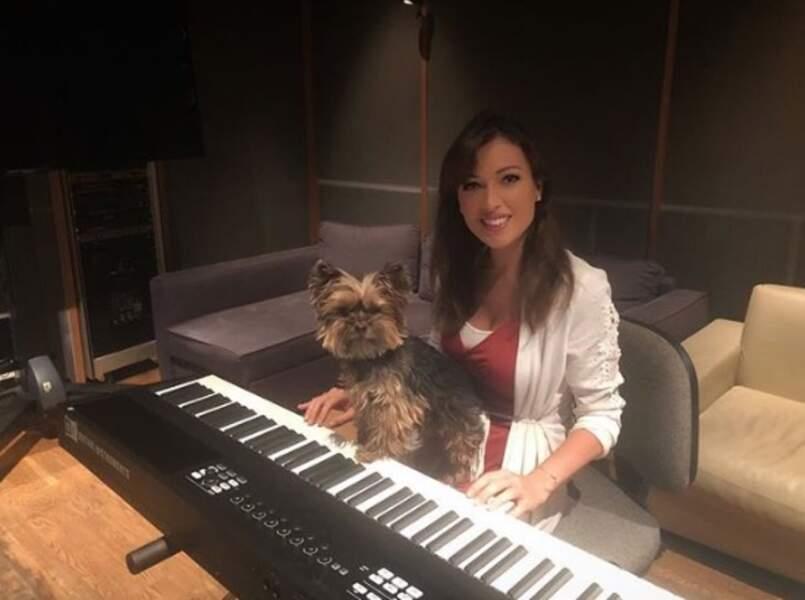 Elsa Esnoult a fait un duo au piano avec Eden...