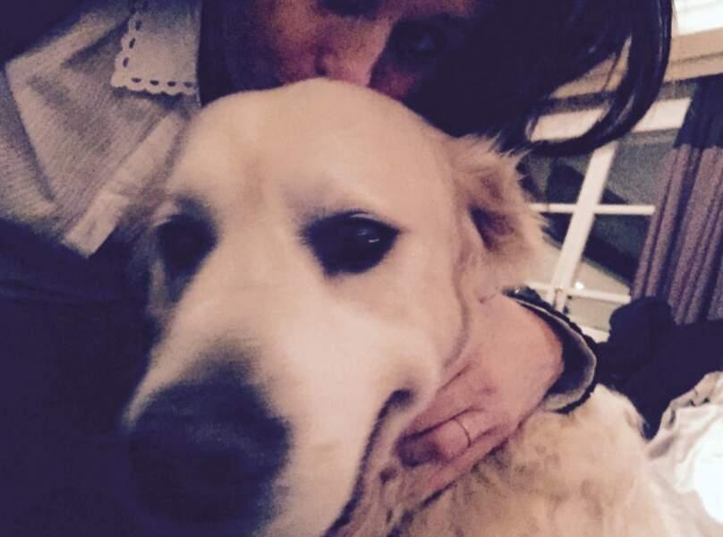Faustine Bollaert, accro à son dog !