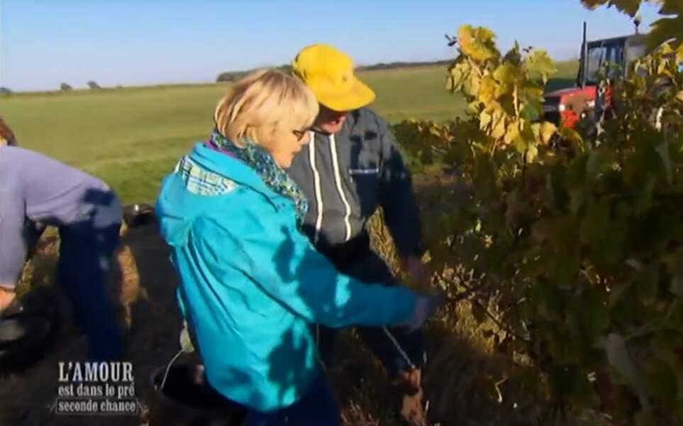 Il emmène sa Marie-Pierre chérie faire un petit tour dans les vignes