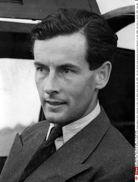 Peter Townsend, écuyer du roi George VI, est tombé sous le charme de sa fille Margaret
