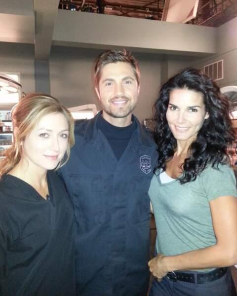 Sasha et Angie avec Eric Winter alias l'enquêteur en chef BT Sarron