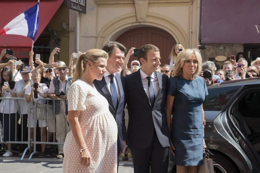 Laura Tenoudji et son mari ont posé avec Emmanuel et Brigitte Macron