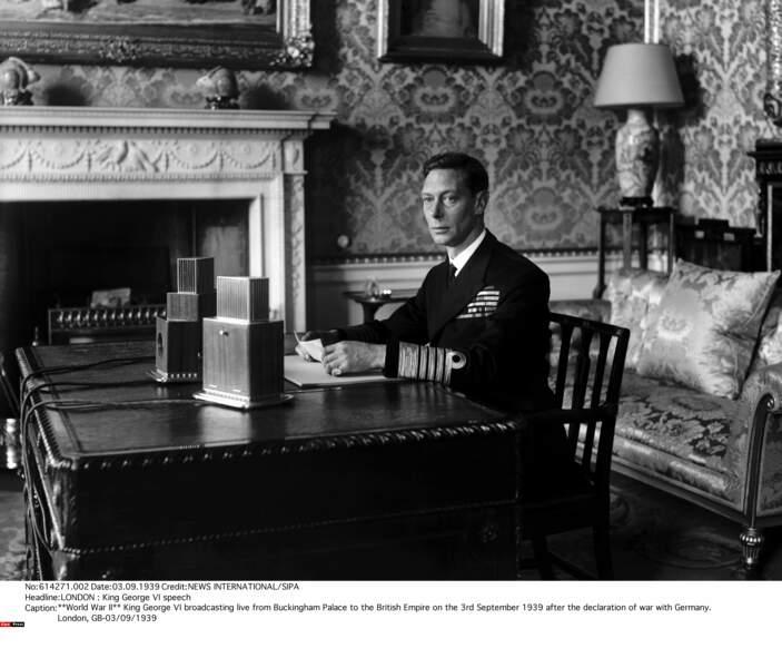 Lorsque la saison 1 démarre, le roi George VI est sur le trône, mais sa santé décline rapidement