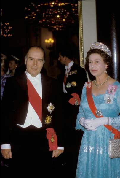 En 1984, c'est François Mitterrand qui accueille son hôte illustre… en même temps que Ronald Reagan
