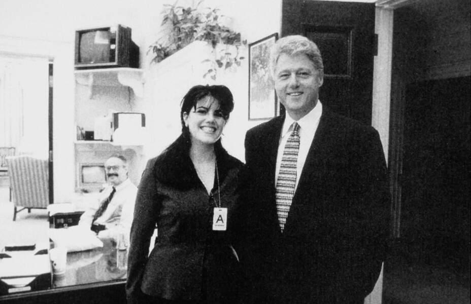 """... une """"relation inconvenante"""" avec Monica Lewinsky, stagiaire à la Maison Blanche."""