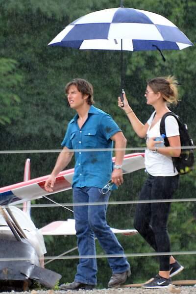 Même en tournage, Tom Cruise prend toujours soin de son brushing ! Attention à la pluie