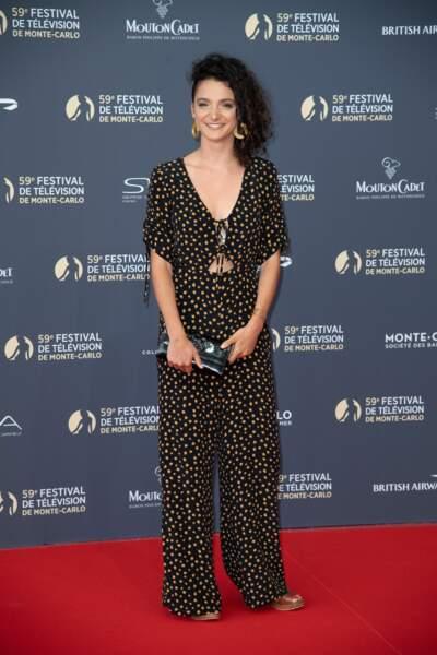 Pauline Bression de Plus Belle la vie a osé la combi sur le tapis rouge. Une tenue très tendance cet été !